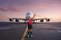 エミレーツ航空、ラグビーW杯に合わせて名物レフリーがマナー啓発ビデオに出演