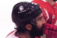 プルデンシャル、NHLヘルメットのロゴ掲出で生み出す波及効果とは
